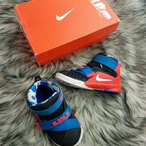 Nike Lebron Soldier IX  (TD) 776473-015 7C